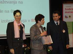 From left to right: Jasna Kos, Darija Brečevič and Fikret Basanovič