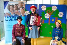 Red Noses in the Caravan Orchestra performance